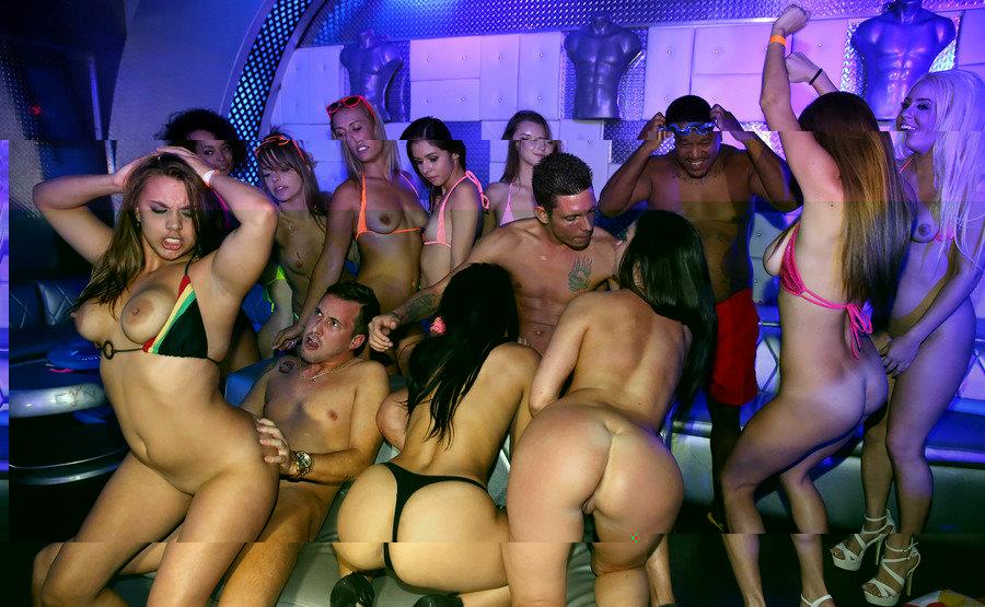 Bikini Babes orgy.jpg