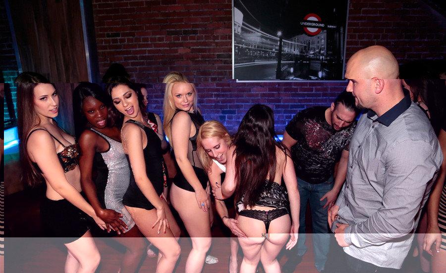 Sexy Dance babes.jpg